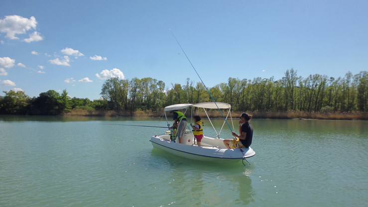 Pêche en bateau éléctrique
