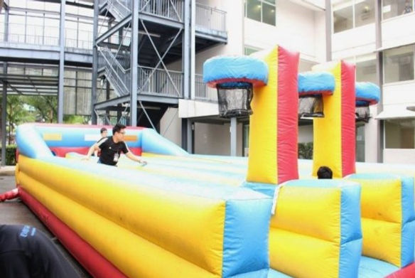 Bungee-Run-Basketball-Inflatable-Rental.