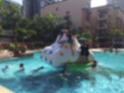 water-game-rock-climbing-inflaltable-ren