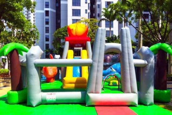 safari-inflatable-Bounce-Castle.jpg