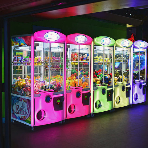 claw-machines-neon-for-rent