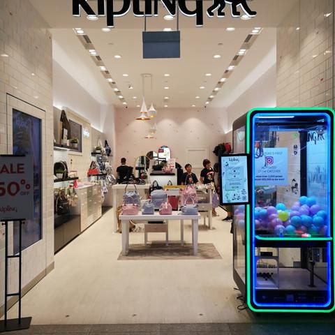 kipling-singapore-claw-machine-rental
