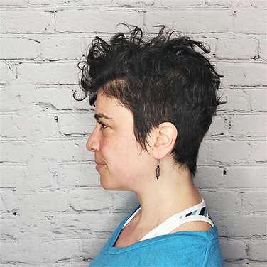 dalia_short_wavy_haircut_best_salon_port