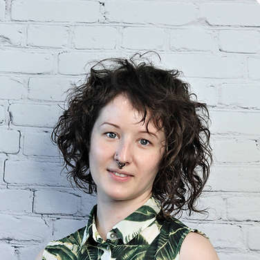 asymmetrical_curly_haircut_portland_hair