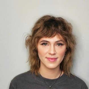 Caryssa_razor_cut_shag_cool_haircut_portland_