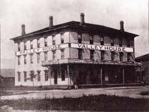 Hotel 1877 (lg).jpg