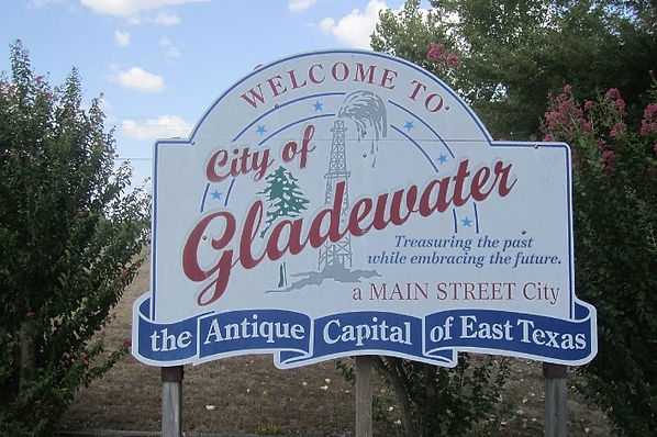 Gladewater town sign