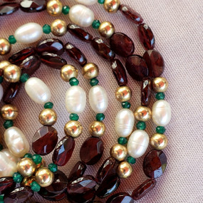 Gold, Garnets and Pearls - Detail