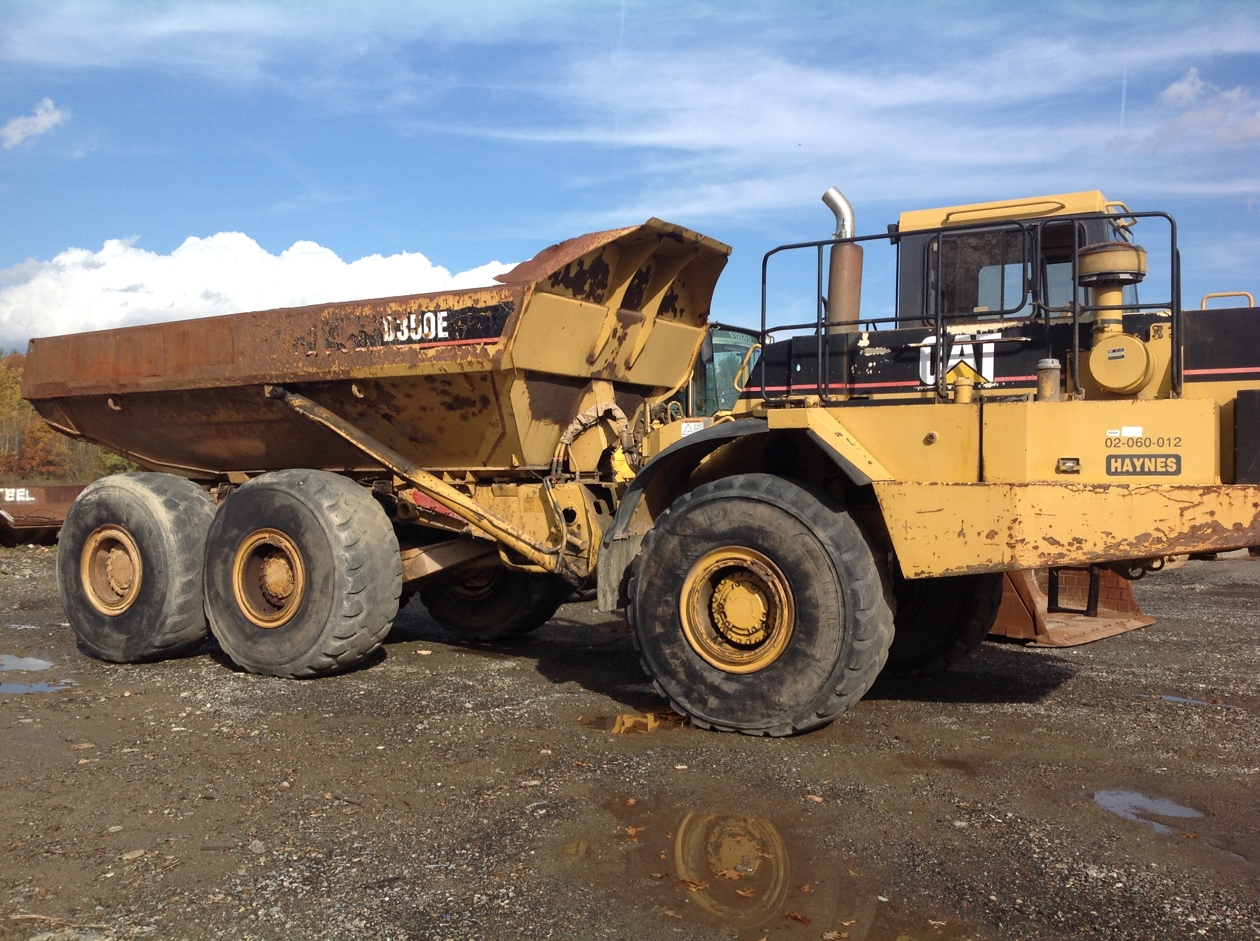 Cat D350E rock truck.jpg
