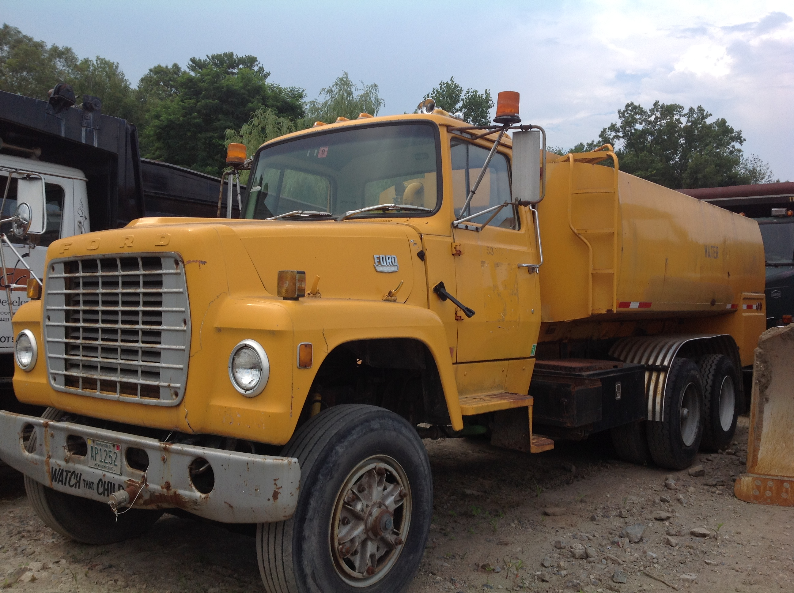 Ford Water truck.JPG