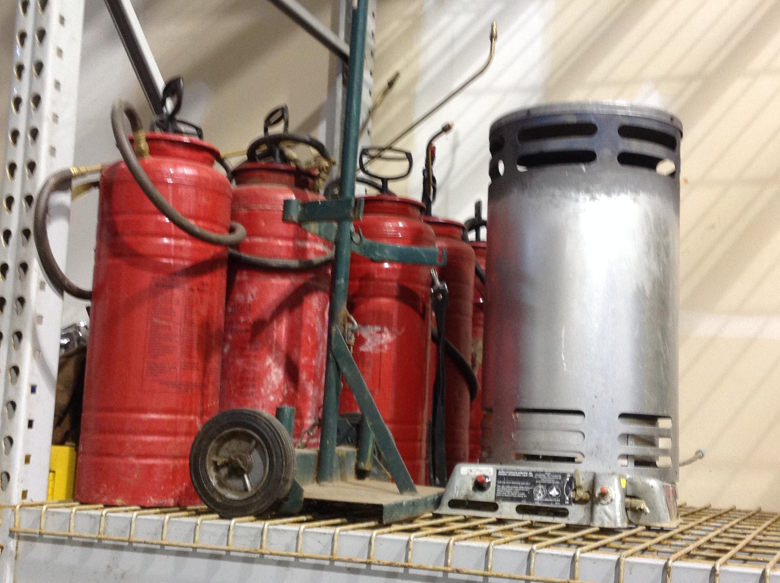 Form sprayers, heaters