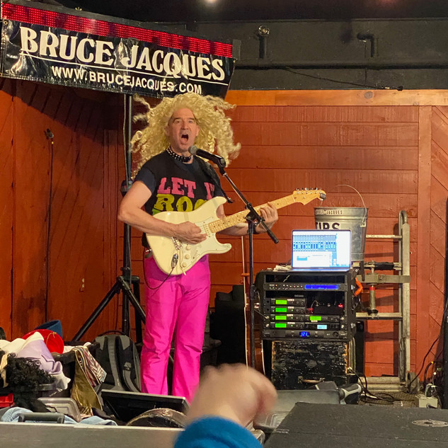 If Bruce Jacques is playing at Foggy Goggle...go...you won't be disappointed!