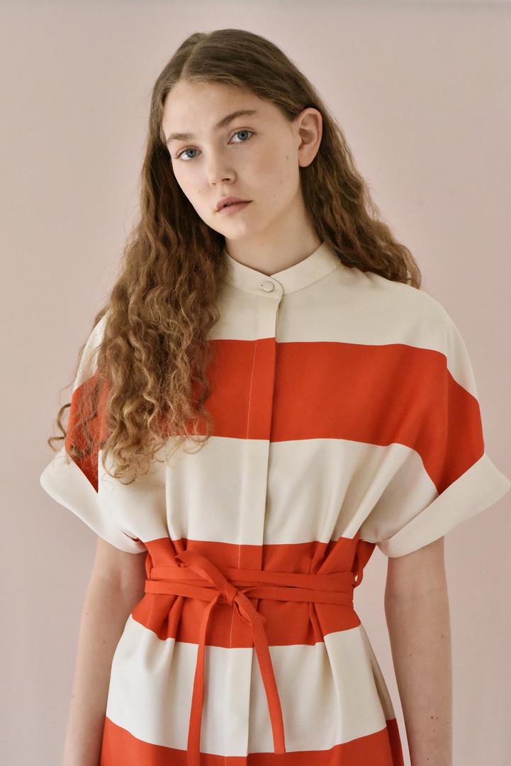 LUCIE KOMÁRKOVÁ | Pruhované šaty