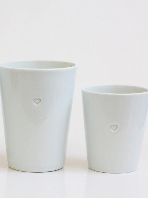 NAJS. – Porcelánový šálek se srdcem