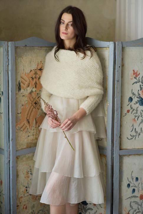 šaty pro nevěstu se svetrem MIK