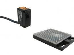 Sensor Foto elétrico BFQ50 quadrado a cabo plástico