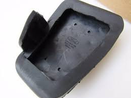 Base de borracha para mini pedaleira metálica.