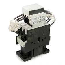Contator  tripolar para banco de capacitor,   fixação em  trilho dim