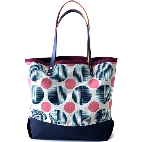 Many Phases Tote