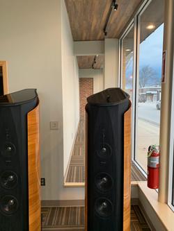 Q Audio Front Display