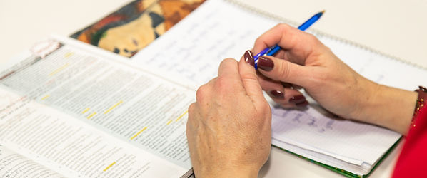 món idomes terrassa academia idiomes anglès preparació exàmens first proficiency advanced