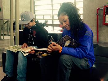 Sima y Río: dos grafiteros en la biblioteca