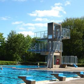 Fällt die Freibadsaison ins Wasser?