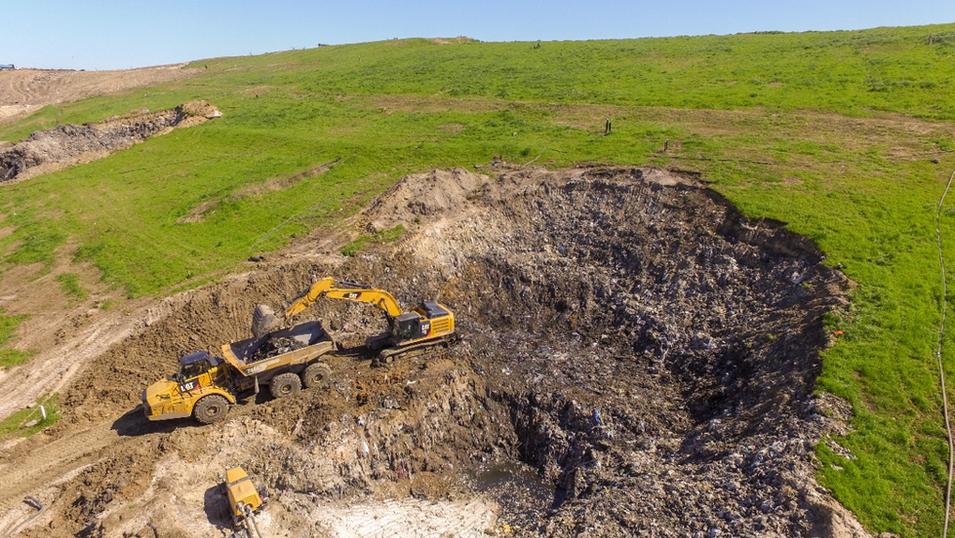 Earnhardt Gradign Landfill_digging.png
