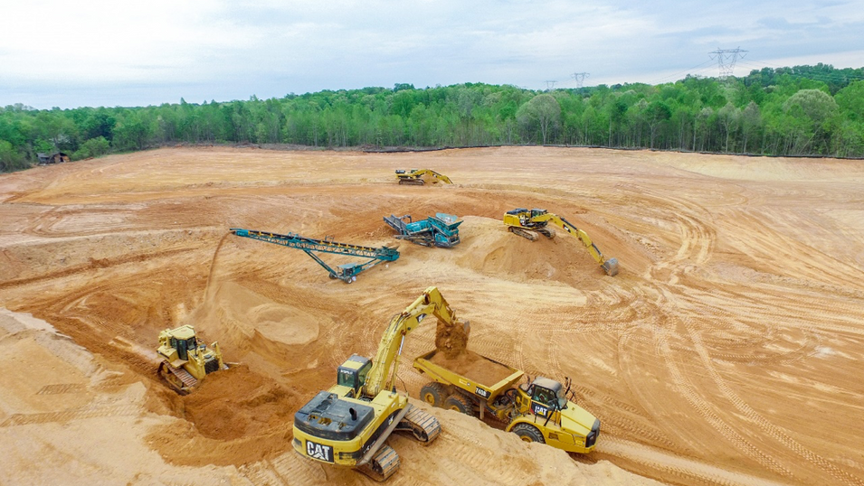 Earnhardt Gradign Landfill_moving dirt.p