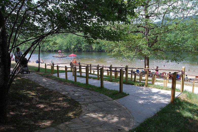 HangingRockSP lake.jpg