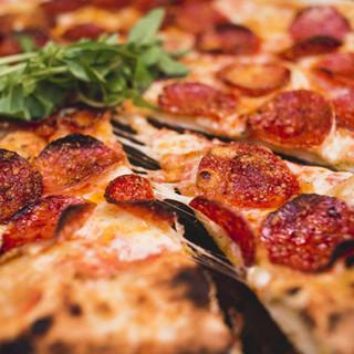 Pizza Pastarella Parrilla na Lenha