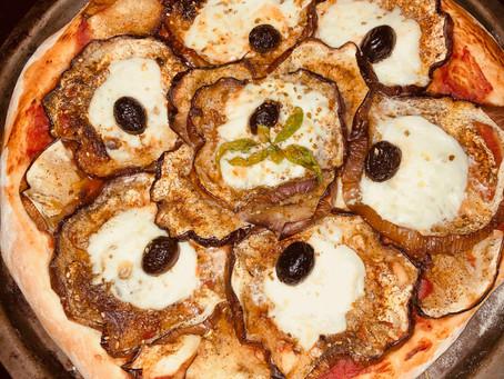 Pizza à l'aubergine de Sicile