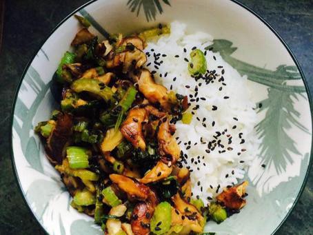 Céleri branche et champignons Shiitaké sautés au wok