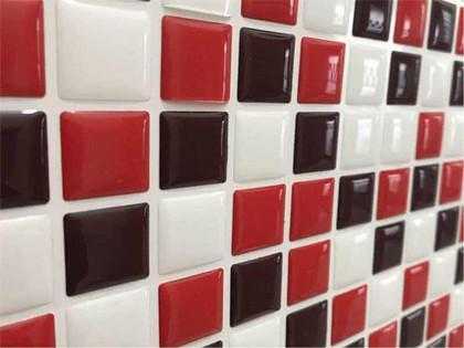 Pastilha Resinada Mosaico Vermelho Branco e Preto