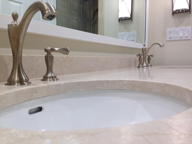 Double Sink Quartz Countertop