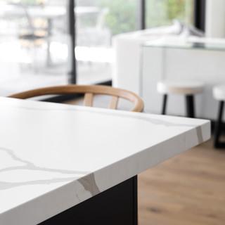 25-minimal kitchen design-white quartz-b