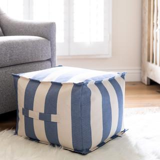 17-Nursery-room-design-blue-white-stripe