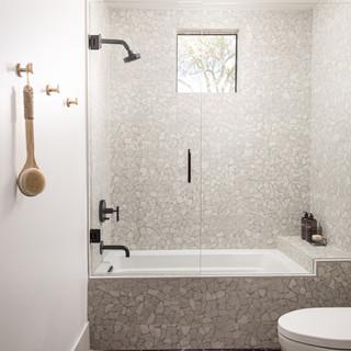 25-scandinavian modern bathroom-black ti