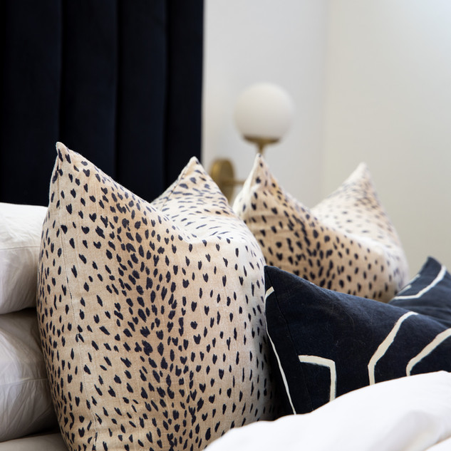 44-cheetah pillow-modern bedding-black a
