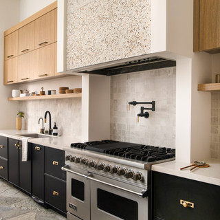 59-stone kitchen-flagstone floors-oak ki