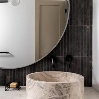 17-scandinavian modern bathroom-black va