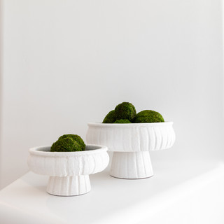23-minimal decor-white pedestal vases-mo