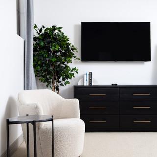 41-modern bedroom-black and white bedroo