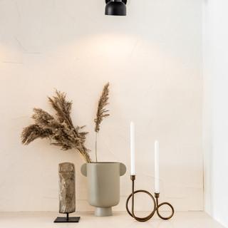 30-scandinavian modern decor-black wall