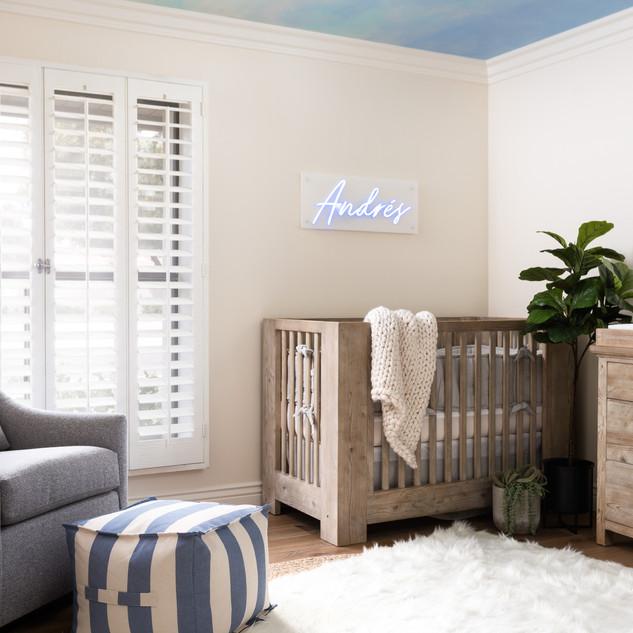 02-Nursery-baby-boy-room-design-LED-name