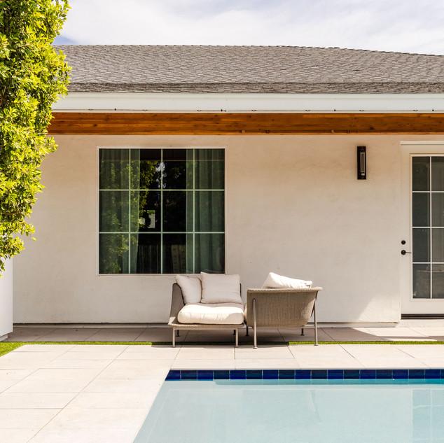 23-modern outdoor-modern backyard-scandi