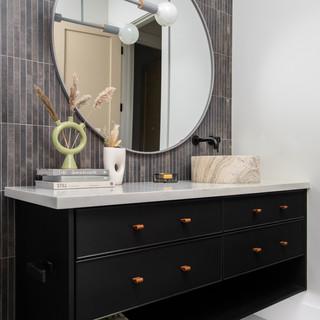 16-scandinavian modern bathroom-black va