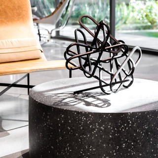 37-black industrial modern decor-concret