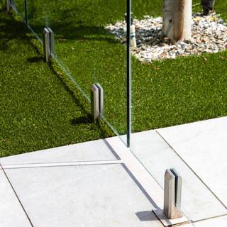 20-modern pool fence-glass pool fence-sc