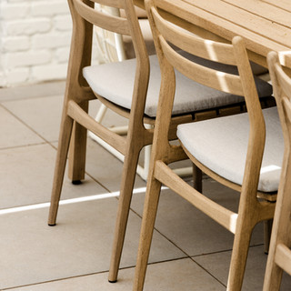 11-scandinavian dining table-scandinavia